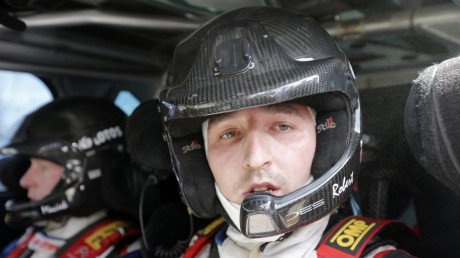 WRC-2014-Robert-Kubica-passa-in-Ford-Fiesta-RS-M-Sport